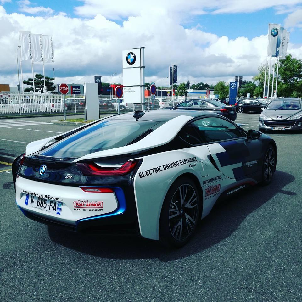 Vue arrière de la BMW i8