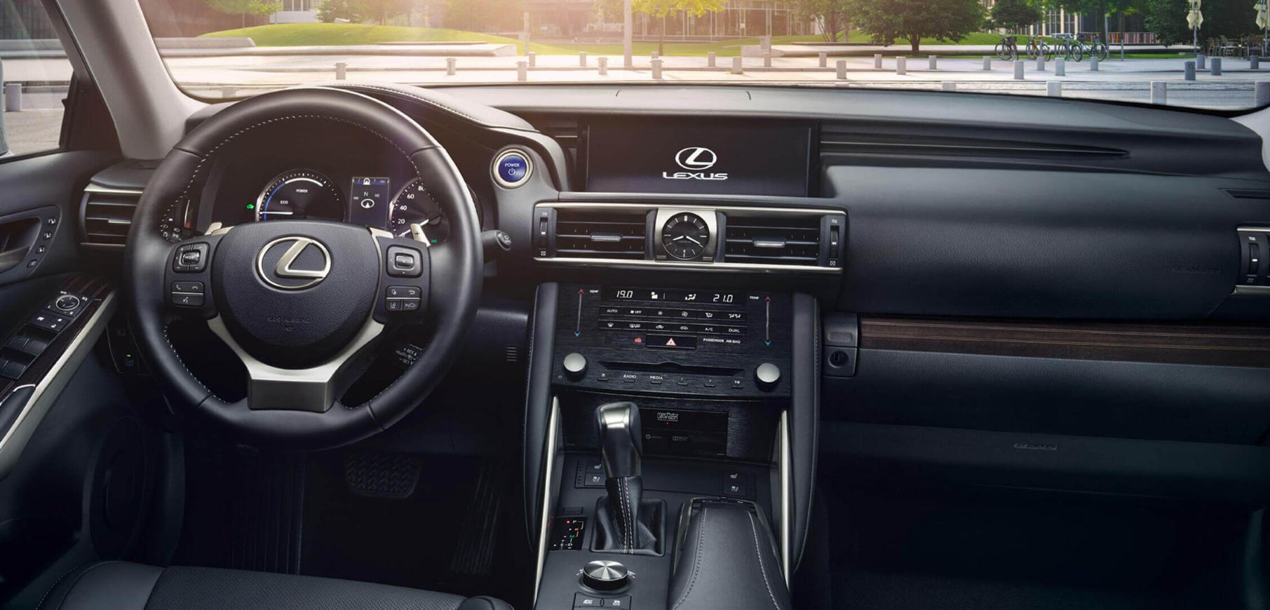 LEXUS IS 300 dans votre concession Lexus Groupe Edenauto