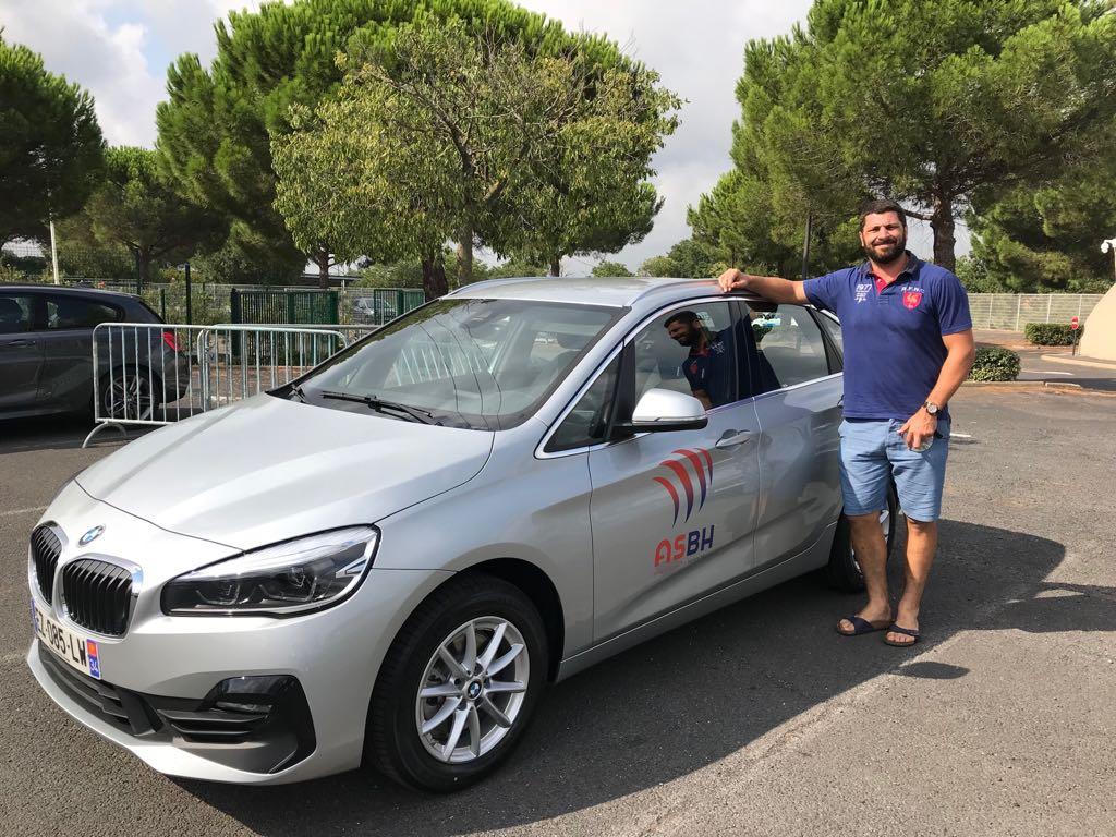 BMW Série 2 Active Tourer  aux couleurs de L'Association Sportive Béziers Hérault Rugby Pro D2