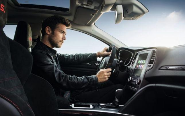 Intérieur sportif de la nouvelle Mégane RS à essayer en concession Renault Edenauto