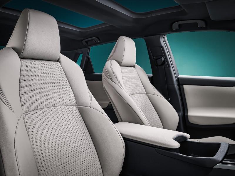 Un intérieur soigné pour le SUV électrique Toyota