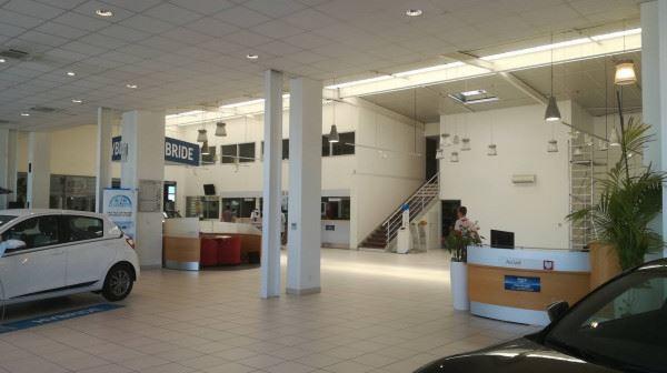 Pour toujours mieux vous accueillir votre Showroom Toyota à Vauquelin se refait une beauté