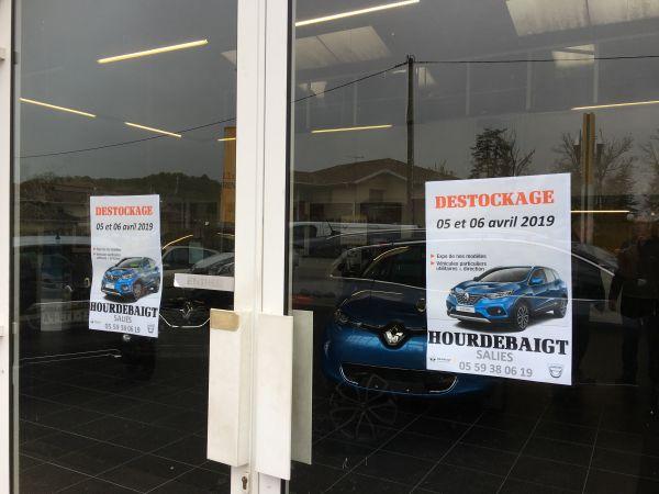 Renault Garage Hourdebaigt a organisé son Grand Déstockage