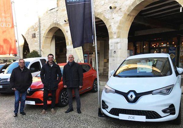 Renault Monflanquin à la Foire de la St André
