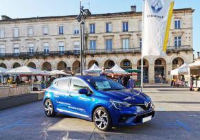 Nouvelle Renault Clio de Marmande au marché de Miramont