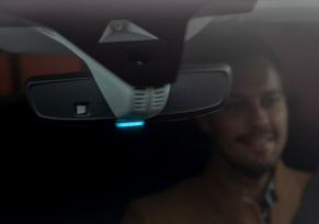 Une lumière sans danger : feu bleu pour l'Opel Grandland X
