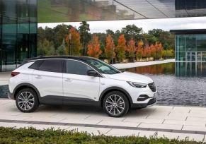 Actu automobile: Grandland X Hybrid et Hybrid 4 : essais réussis !