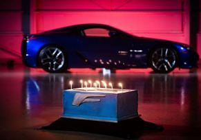 : LEXUS LFA fête ses 10 ans !