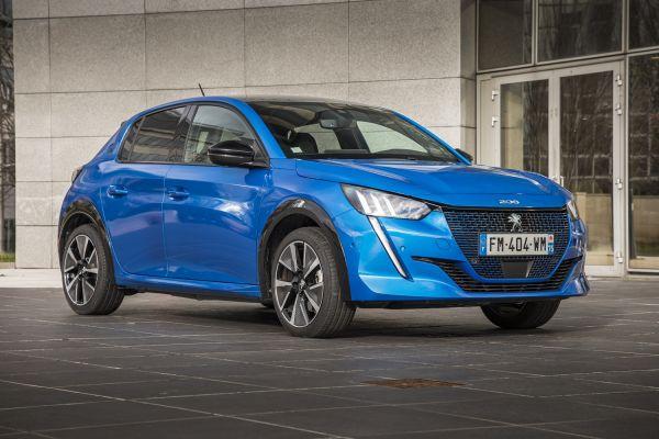 La Peugeot e-208 élue voiture électrique Business 2021