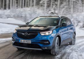Actu automobile: Roi des cimes : les électriques Opel à l'aise en montagne
