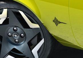 Actu automobile: QR Code : Opel numérise les noms des modèles
